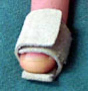 Adjustable Leather Thimble - Click Image to Close
