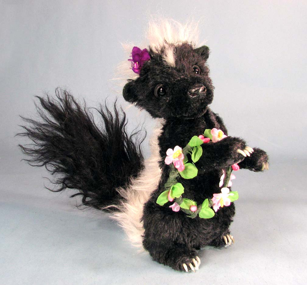 Petunia Skunk - Paper Pattern - Click Image to Close
